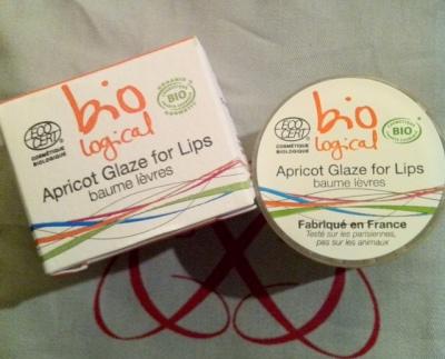 Belle Surprise! Bio Logical que référence funnybeauty.com :-) Texture du baume à lèvres parfaite, ça sent irrésistiblement bon et c'est un petit prix! A shopper sur funnybeauty.com avec 10% de remise* d'ailleurs